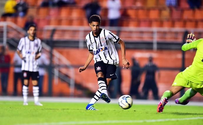 Corinthians x Sport Sub-17 (Foto: Marcos Ribolli)