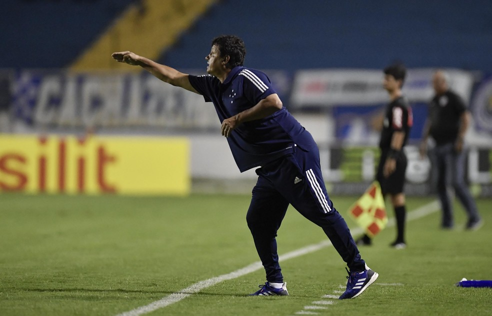 Adilson Batista critica Federação Mineira de Futebol — Foto: Douglas Magno/Light Press/Cruzeiro
