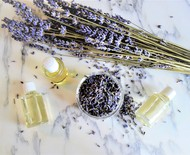 Como usar óleos essenciais na rotina de beleza, além da aromaterapia