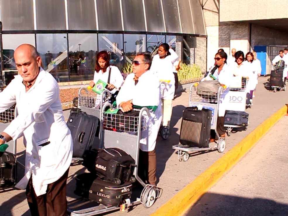 Médicos cubanos deixaram o Brasil após fim de acordo entre os países — Foto: TV Verdes Mares/Reprodução