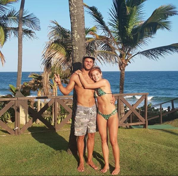 Isabella Santoni e Caio Braz (Foto: Reprodução)