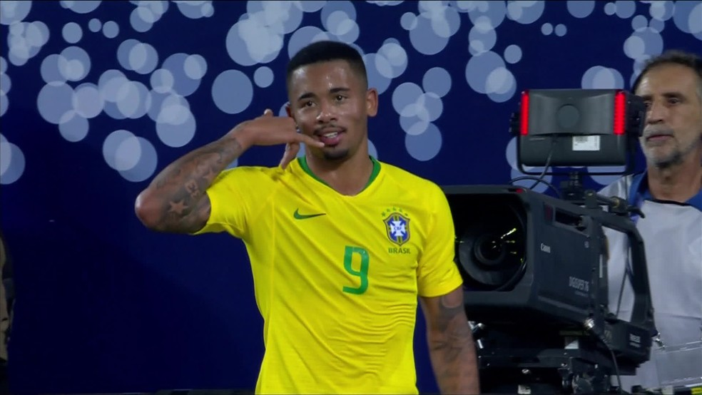 Gabriel Jesus comemora gol pela Seleção brasileira — Foto: Reprodução/TV Globo