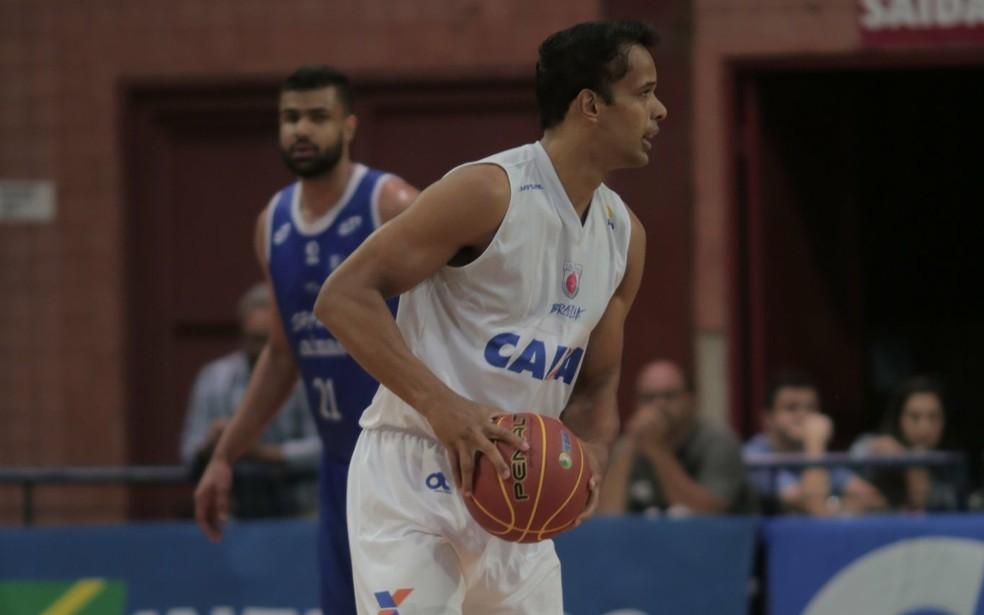 Arthur voltou a atuar após se recuperar de lesão no menisco medial do joelho esquerdo — Foto: Divulgação/Brasília Basquete