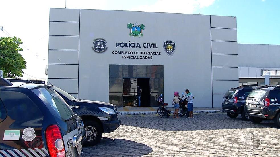 Suspeito de maltratar e desviar a aposentadoria da própria mãe é preso em Natal. (Foto: Reprodução/Inter TV Cabugi)