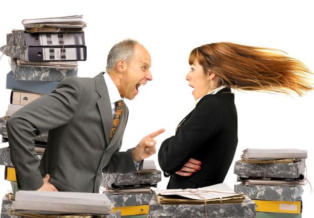 14 sinais de que seu chefe te odeia (secretamente, claro) - Época Negócios  | Carreira