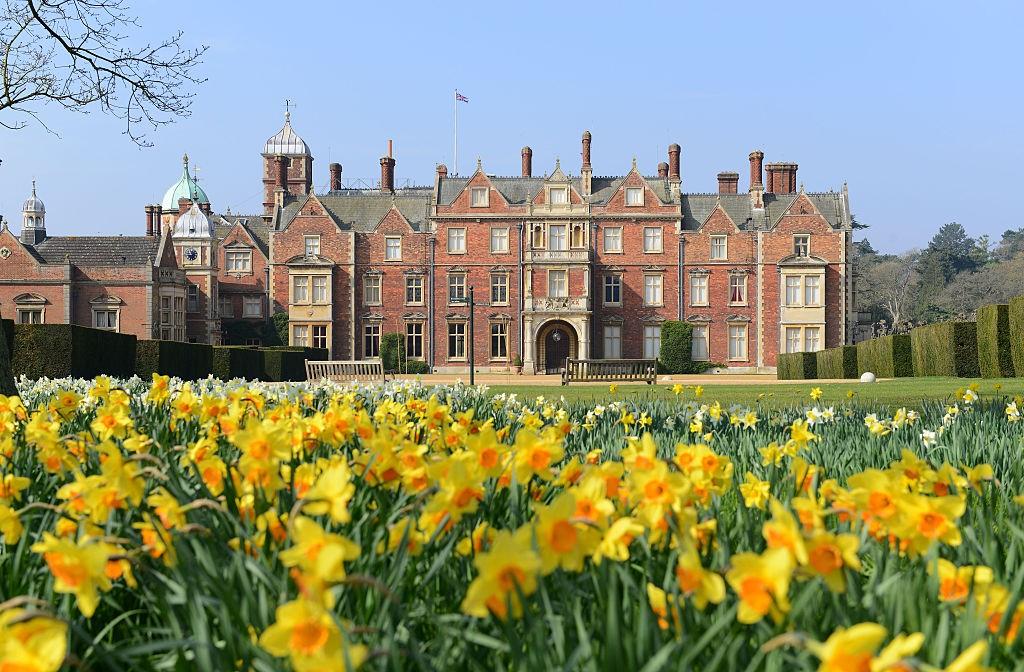 Casa de campo da rainha Elizabeth é transformada em cinema drive-in (Foto: Getty Images)