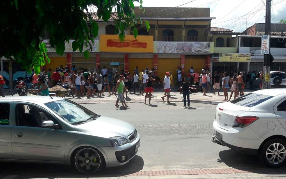 Chacina deixou quatro mortos em Camaçari (Foto: Site Bahia No Ar)