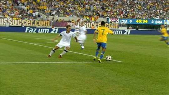 Colecionador tem bola do primeiro jogo de Neymar pela Seleção