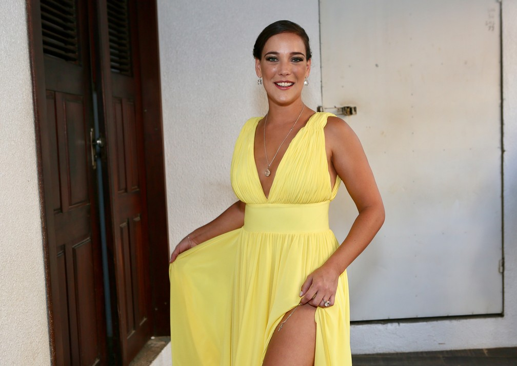 Adriana Birolli, casamento Camila Queiroz e Klebber Toledo (Foto: Manuela Scarpa e Iwi Onodera/Brazil News)