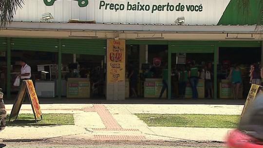 Ladrões invadem mercado e furtam dinheiro de cofre em Ponta Grossa