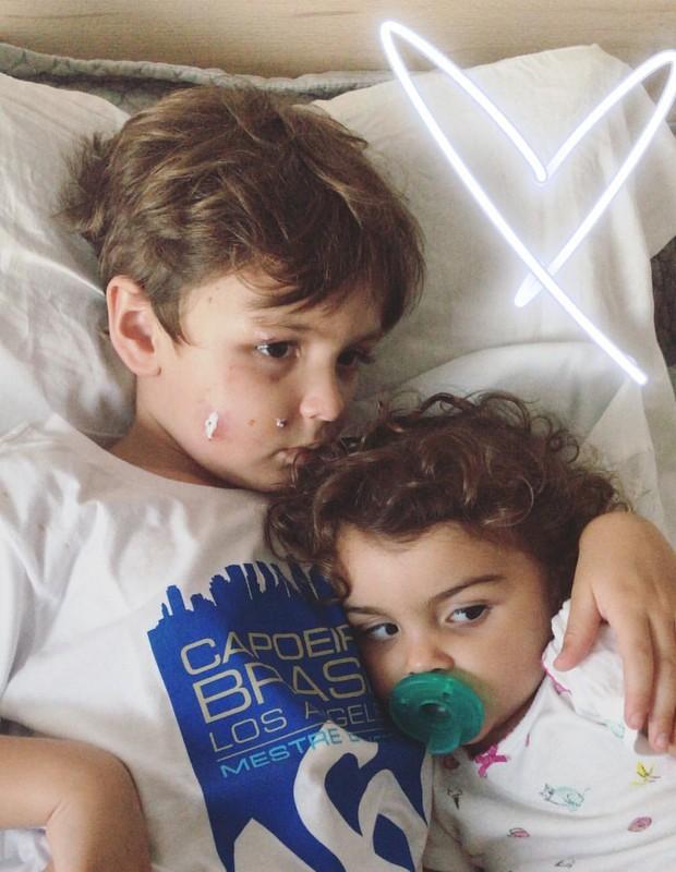 Joaquim e Maria, filhos de Mariana Uhlmann e Felipe Simas (Foto: Reprodução/Instagram)
