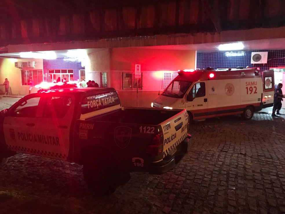 PM foi levado para o Hospital Santa Catarina, mas não resistiu aos ferimentos e morreu (Foto: Kléber Teixeira/Inter TV Cabugi)