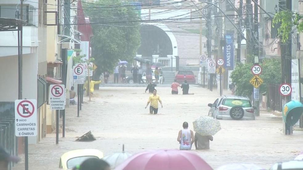 Rio Novo do Sul no fim de semana (Foto: Luiz Gonçalves / TV Gazeta)