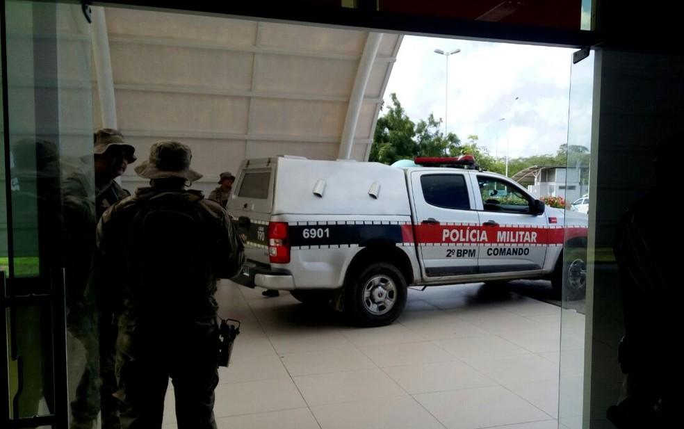 Suspeitos feridos durante confronto são encaminhados para o Trauma de Campina Grande (Foto: João da Paz/Hospital de Trauma de Campina Grande)