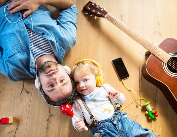 Estudo revela que as crianças podem ser influenciadas musicalmente, mas até determinada idade (Foto: Thinkstock)