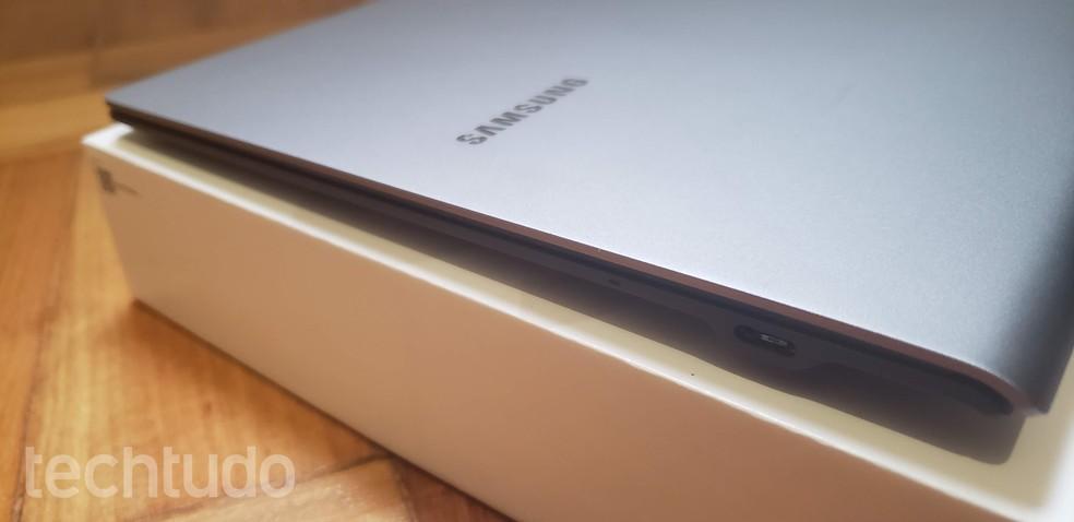 Samsung Galaxy Book S traz recurso interessante de bateria, mas não entregou as 17 horas citadas pela marca — Foto: Yuri Hildebrand/TechTudo
