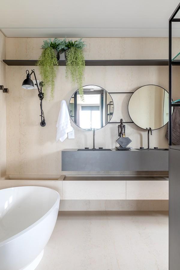 Apartamento tem décor aconchegante e móveis de design assinado (Foto: Fábio Jr. Severo)