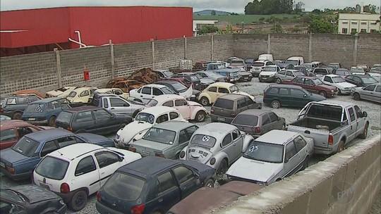 Número de veículos adulterados preocupa comerciantes e consumidores de Passos