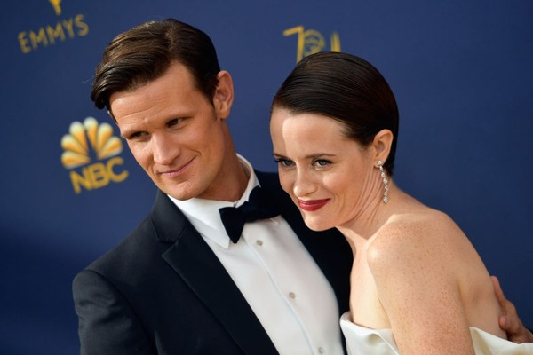 Matt Smith e Claire Foy durante cerimônia do Emmy 2018 (Foto: Getty Images)