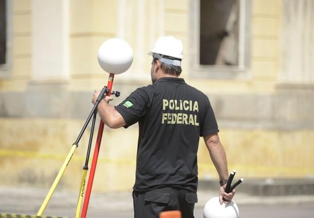 Com a imagem tridimensional, os especialistas poderão analisar hipóteses sobre o foco inicial do incêndio e a propagação das chamas (Foto: Tomaz Silva/Agência Brasil)