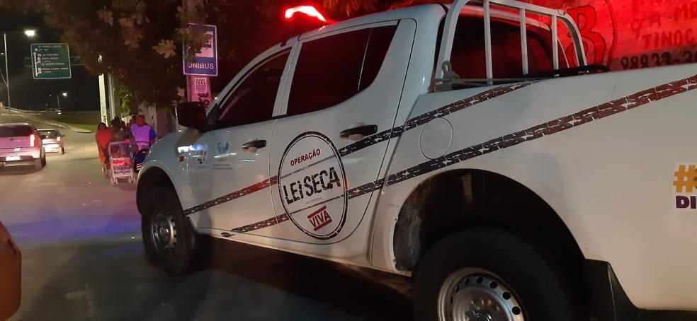 Somente um motorista fez o teste do bafômetro, os outros 38 se negaram — Foto: Divulgação/Polícia Militar