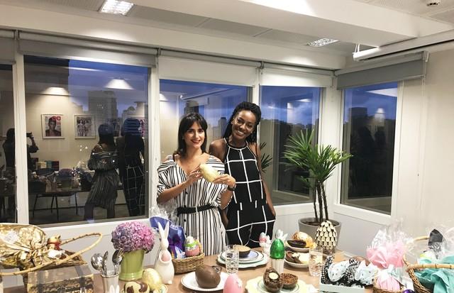 Luiza Souza, nossa editora de beleza, e Pathy Dejesus, atriz e nossa convidada especial (Foto: Camilla Bello)