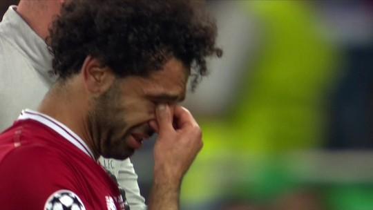 Salah se machuca em lance com Sergio Ramos e deixa a final chorando