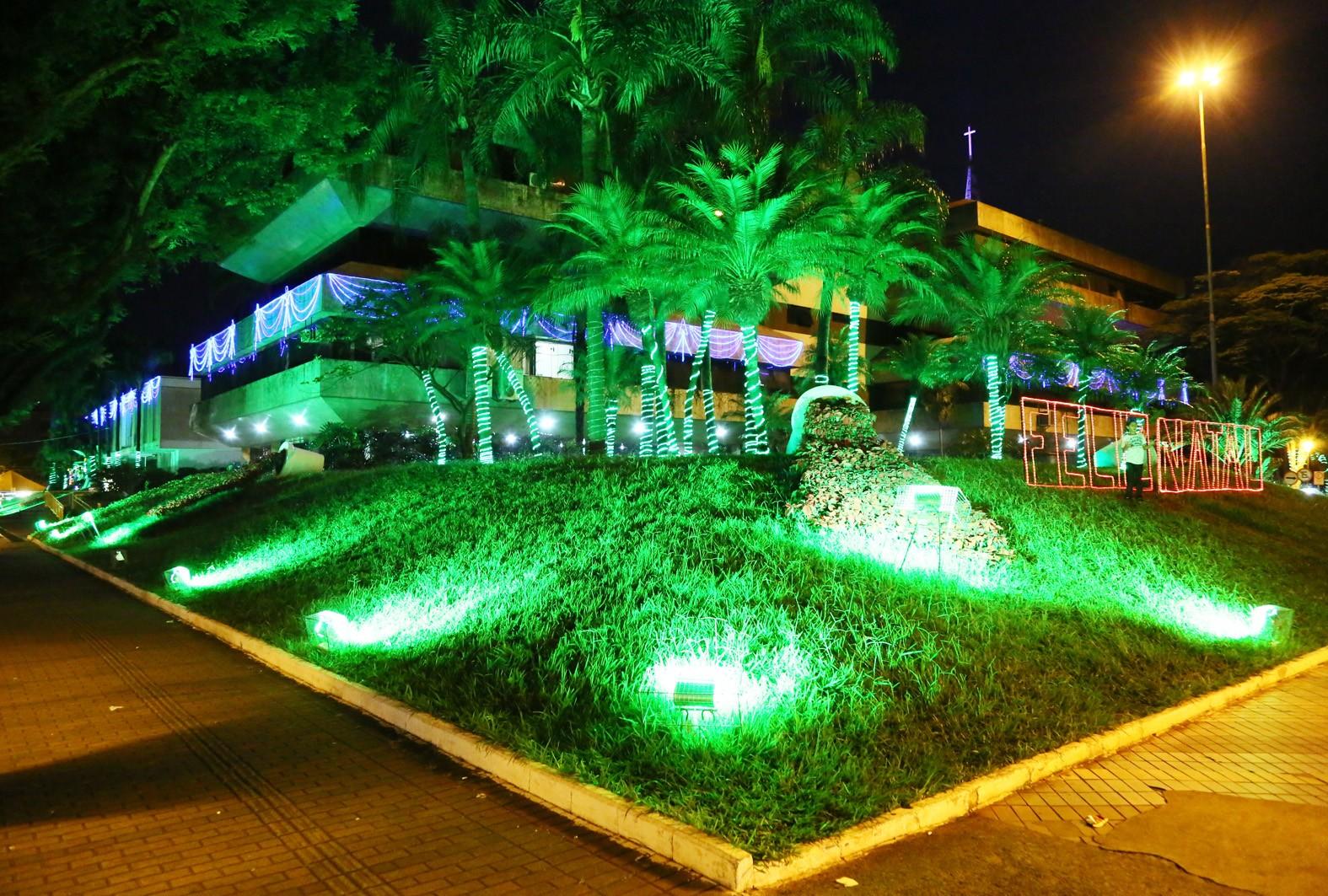 MP libera decoração de R$ 163,9 mil para casa do Papai Noel em Maringá