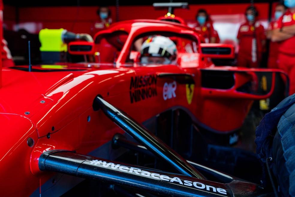Ferrari carrega logo de iniciativa #WeRaceAsOne — Foto: Reprodução