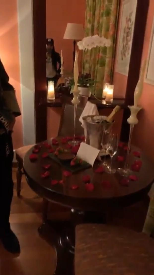 Fernando Zor surpreende Maiara com decoração romântica (Foto: Reprodução / Instagram)