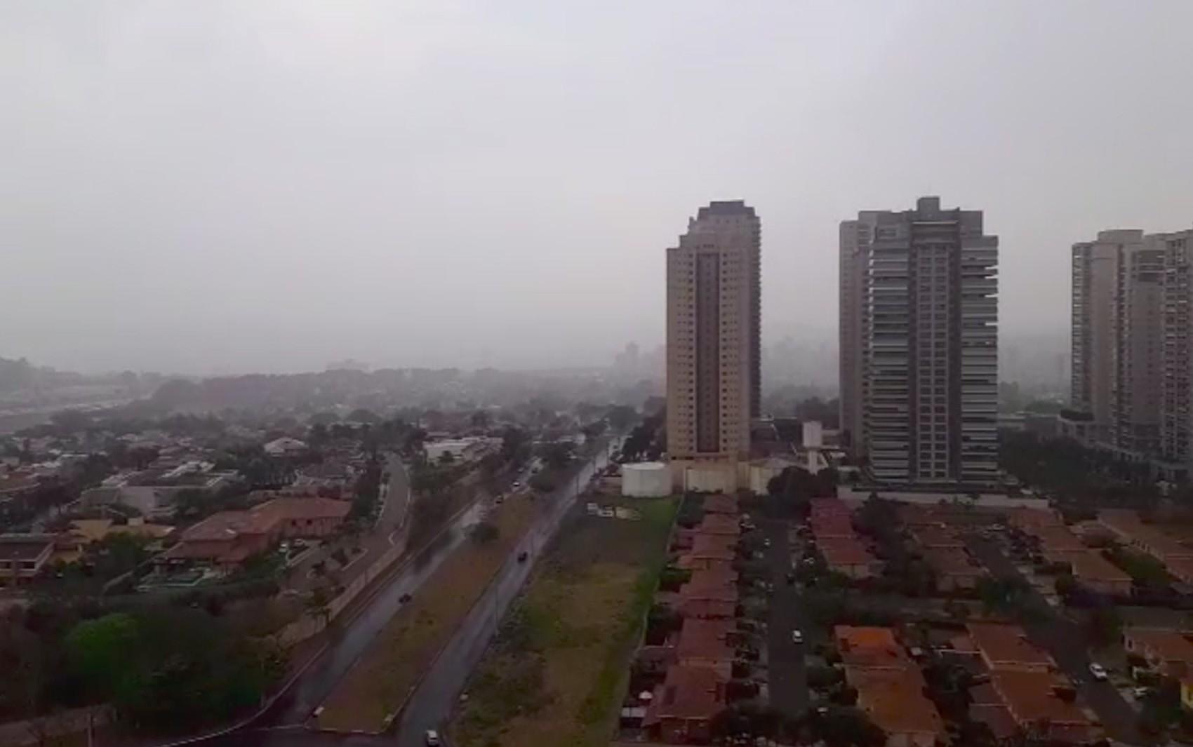 Apesar de pouca, chuva é suficiente para melhorar qualidade do ar em Ribeirão Preto