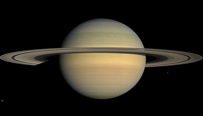 Saturno tem  82 satélites naturais ao seu redor (Foto: Wikimedia Commons)