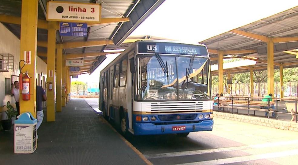 Ônibus do transporte público de Barretos (SP) (Foto: Reprodução/EPTV)