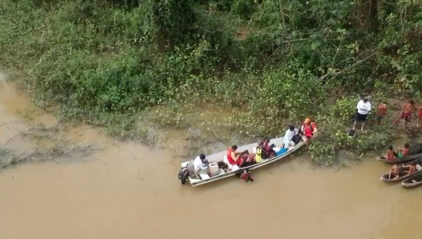 Meninos Yanomami: vídeo mostra resgate da 2ª criança morta em rio próximo de garimpo