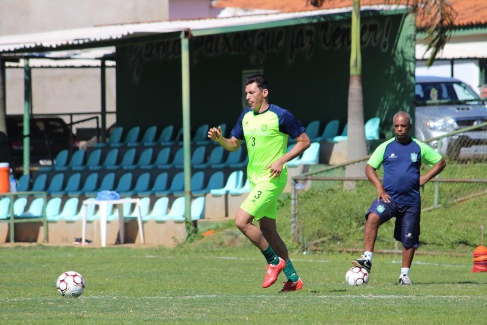 Lúcio irá defender o Gama no Candangão de 2018 (Foto: Divulgação / S. E. Gama)