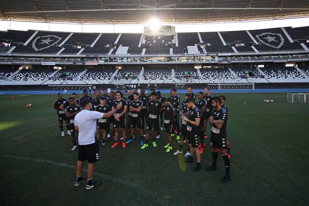 Chamusca promete acertar time para a Série B — Foto: Vitor Silva/Botafogo