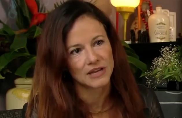 Lorena Calabria teve sintomas graves da Covid-19. A apresentadora, que já passou por MTV e Multishow, está curada (Foto: Reprodução)