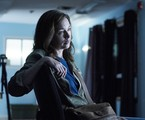 Julianne Nicholson em 'Eyewitness' | Reprodução