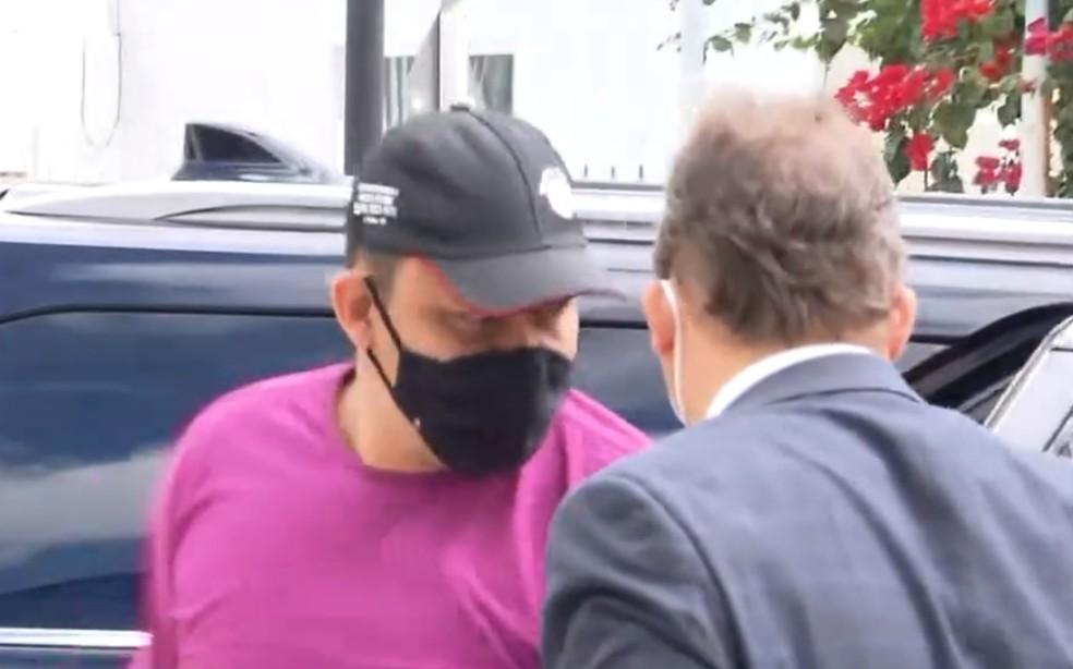Médico suspeito de matar ex-companheira e abandonar corpo em rodovia é preso em Feira de Santana — Foto: Reprodução/TV Subaé