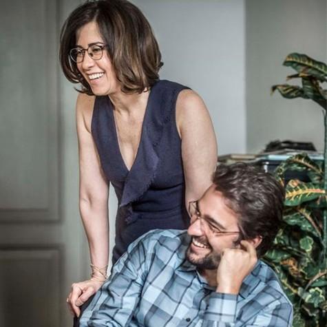 Fernanda Torres e Humberto Carrão nos bastidores de 'Sob pressão' (Foto: Mauricio Fidalgo / TV Globo)