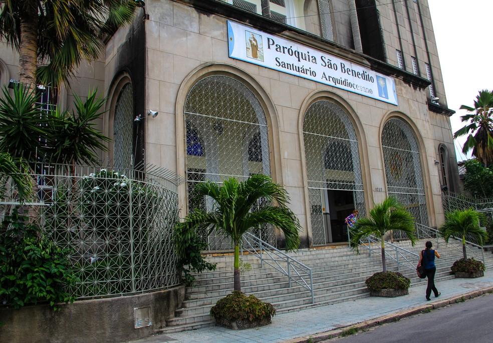 Santuário realiza apenas uma missa por dia devido à violência — Foto: Helene Santos/Agência Diário