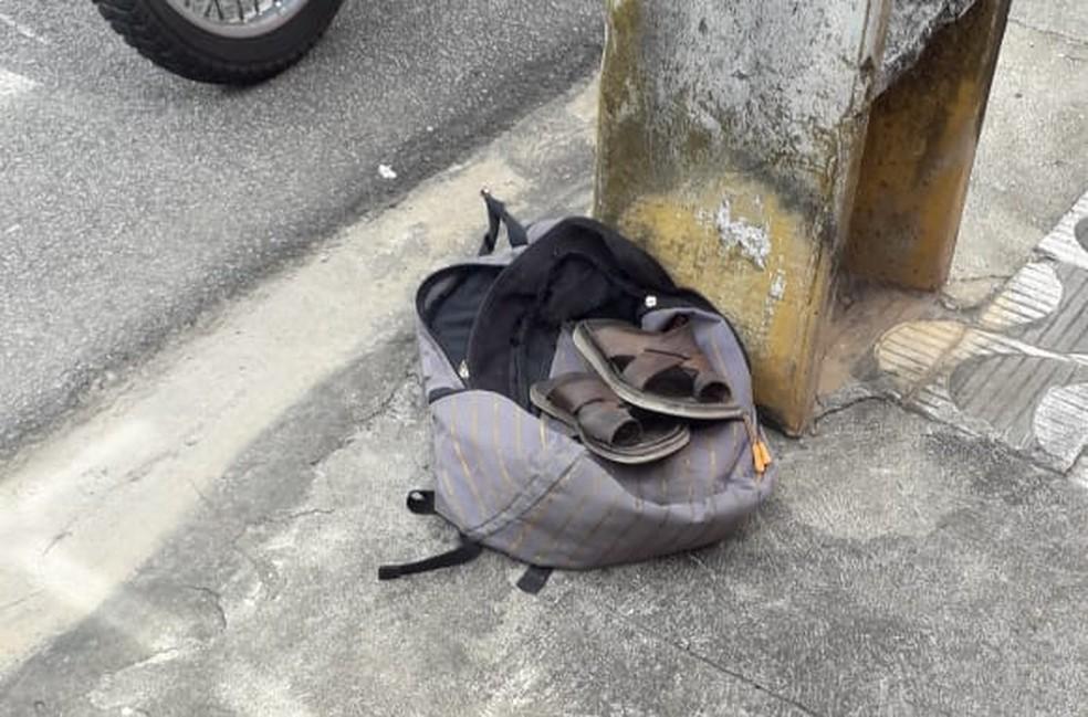 Mochila foi encontrada com a vítima — Foto: Julianne Barreto/Inter TV Cabugi