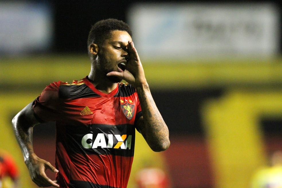 Grêmio vê André com um possível substituto a Lucas Barrios  (Foto: Marlon Costa / Pernambuco Press)