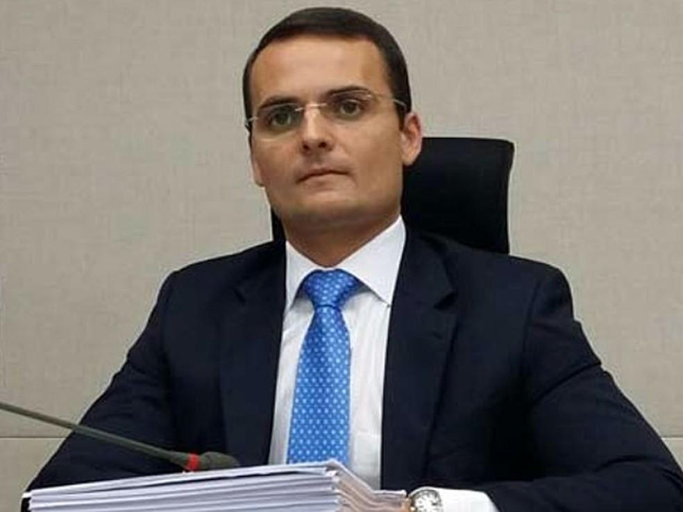 O advogado Sacha Reck, em outubro de 2015, na CPI do Transporte da Câmara Legislativa do Distrito Federal — Foto: Isabela Calzolari/G1