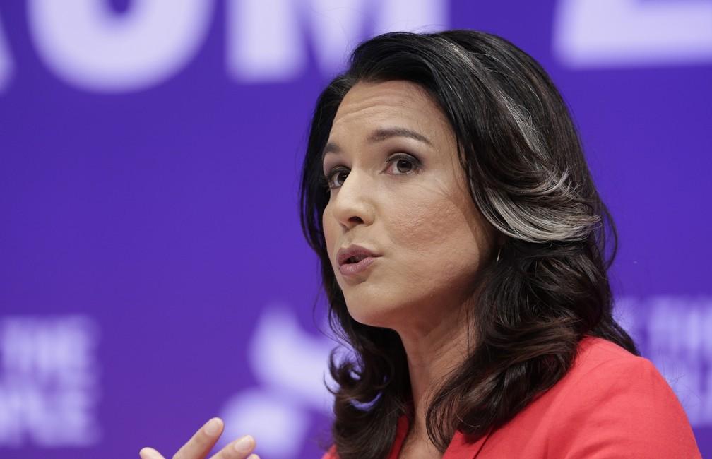A pré-candidata democrata Tulsi Gabbard. — Foto: Michael Wyke/AP