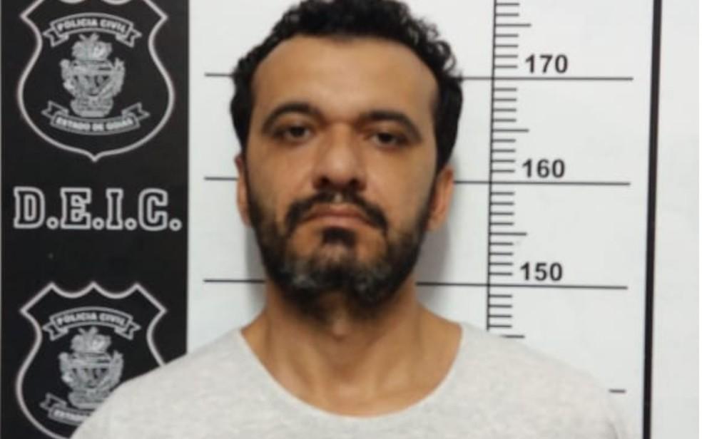 Cláudio Neves Godoy é suspeito de se passar por contador para aplicar golpes em empresas — Foto: Polícia Civil/Divulgação