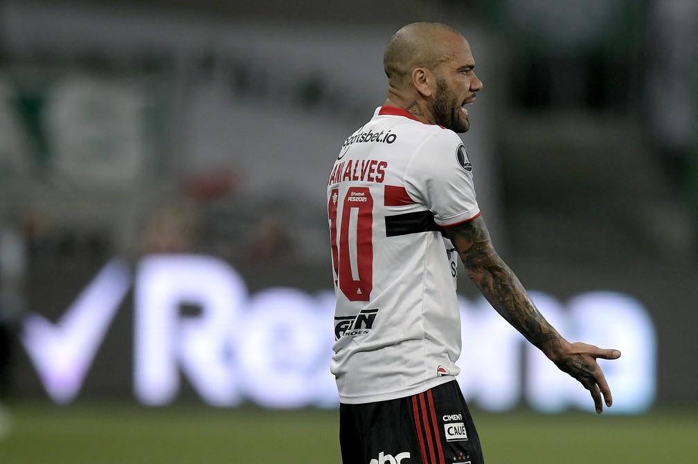 Dívida do São Paulo com Daniel Alves alcança os R$ 18 milhões; veja detalhes