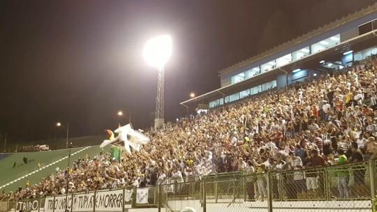 Torcida hostiliza diretoria, mas apoia Tupi diante do Cruzeiro no Mário Helênio