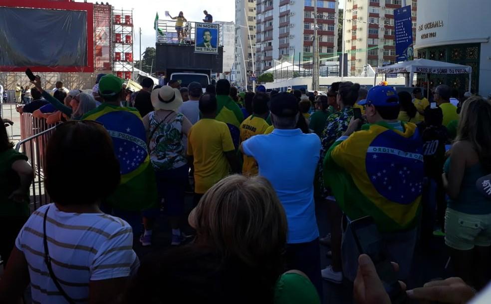 SALVADOR, 10h: Manifestação em apoio à Operação Lava Jato, nova previdência e pacote anticrime — Foto: Dalton Soares/TV Bahia