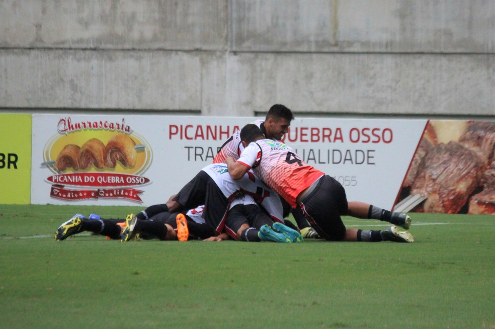 Força e Luz segue invicto neste segundo turno (Foto: Augusto César Gomes/GloboEsporte.com)